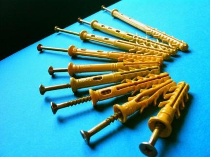 Преимущества дюбелей быстрого монтажа, их разновидности и особенности применения