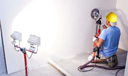 Машинная штукатурка стен: преимущества и особенности технологии