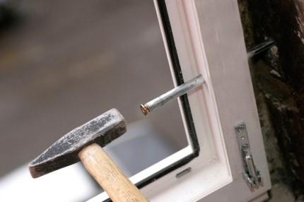 Как выполняется монтаж пластикового окна на анкера: пошаговая инструкция и правила работы