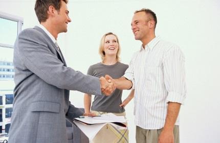 Почему стоит привлечь к процедуре продажи недвижимости риелтора