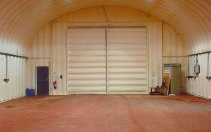 Этапы утепления складского помещения пенополиуретаном и правила безопасности